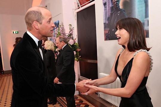 Pozdravila se i s královskou rodinou.