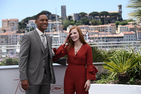 Jessica Chastain s Willem Smithem v Cannes