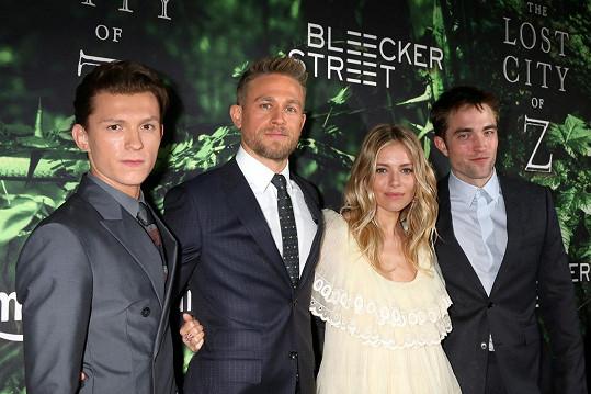 Herecké hvězdy filmu Ztracené město Z: Tom Holland, Charlie Hunnam, Sienna Miller a Robert Pattinson