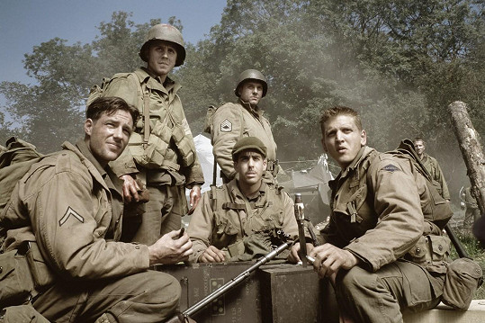 Giovanni Ribisi (druhý zleva) ve filmu Zachraňte vojína Ryana.