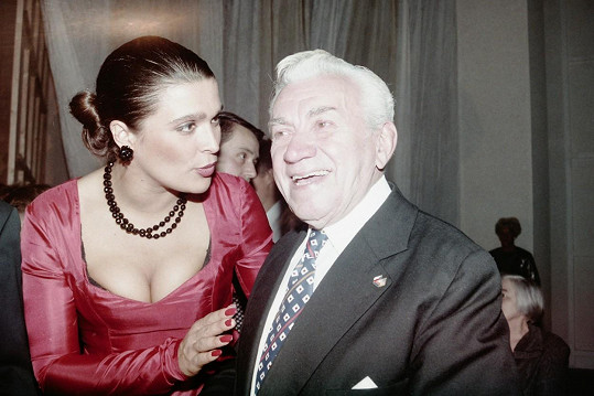 Počátkem 90. let se potkal i s Mahulenou Bočanovou...