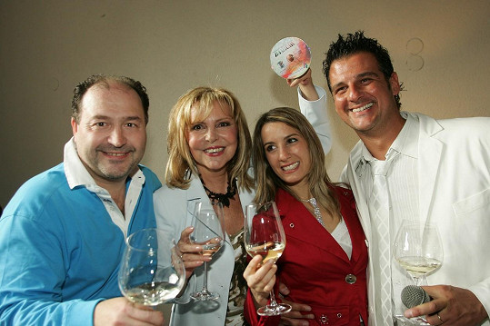 DaMiChi (Michal David, Chiara Grilli, Davide Mattioli) a Hana Zagorová