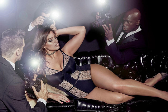 Modelka by se ráda stala příští Bond girl.