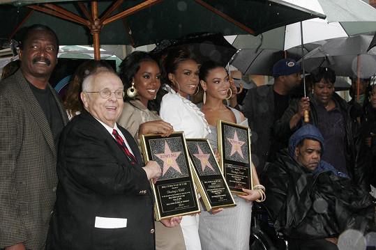 Zpěvaččin otec dělal kapele Destiny's Child manažera.
