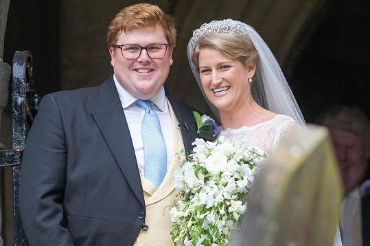 Harry a Meghan vyrazili na svatbu sestřenice Celie, která mimochodem měla stejnou tiáru jako kdysi Diana, a George Woodhouse.