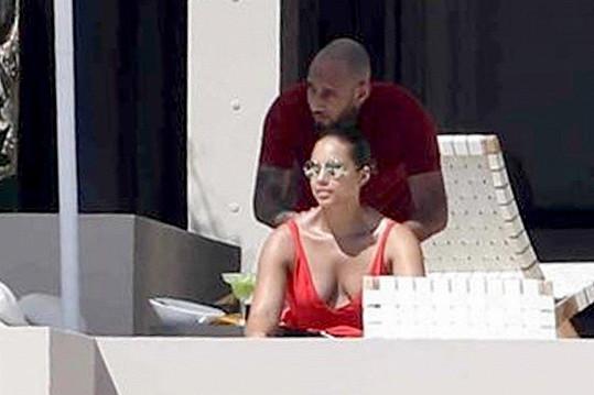 Alicia Keys nabírala energii v Mexiku.