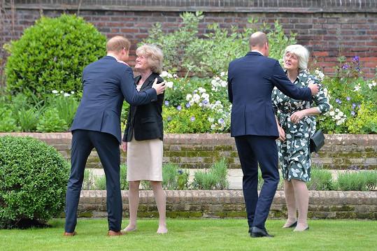 Princové Harry a William se svými tetami Sarah a Jane