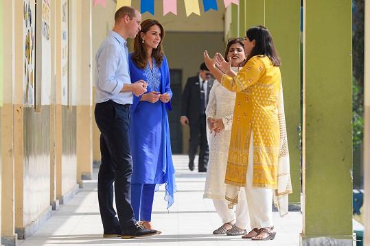 Vévoda a vévodkyně z Cambridge se ve škole setkali jak s dětmi, tak i s učiteli.