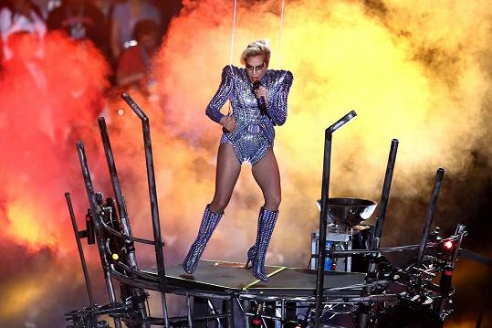 Lady Gaga na Super Bowlu vystupovala před třemi lety.