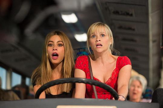 Herečky se sešly v komedii Divoká dvojka, která dorazí v květnu do kin.