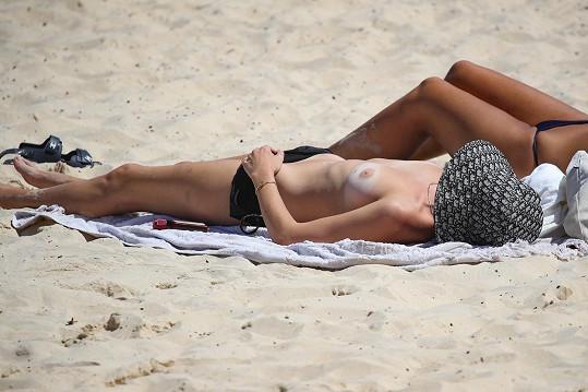 Relax na pláži v Sydney.