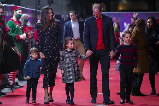 Královští dorazili na divadelní představení, které bylo poděkováním pro pracovníky z první linie a jejich rodiny.