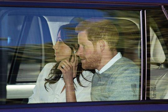 Těsně před svatbou navštívili královnu Alžbětu II.