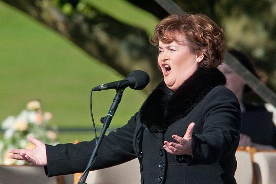 Skotská zpěvačka se proslavila díky britské talentové soutěži.