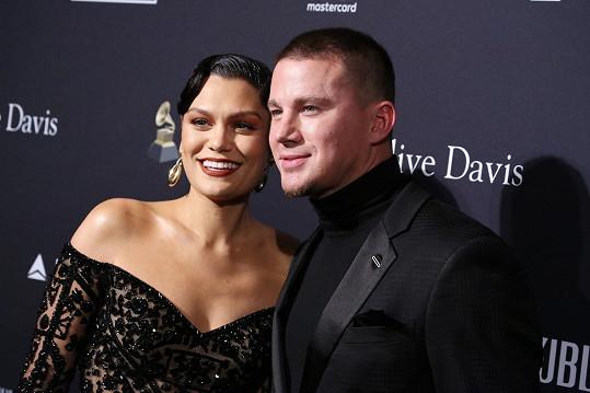 Poté pár let randil se zpěvačkou Jessie J.