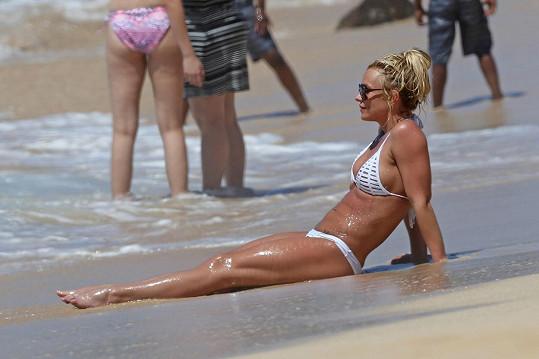 Zpěvačka relaxovala na Havaji.