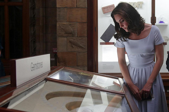V muzeu už je měla o pár centimetrů kratší.