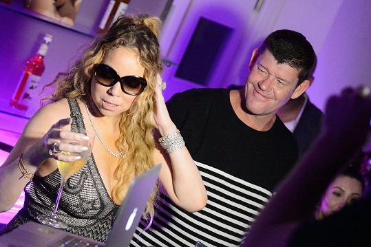V přítomnosti Mariah Carey se smí poslouchat jedině Mariah Carey.