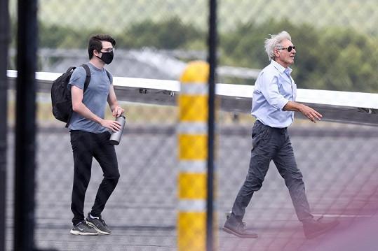 Harrison Ford dopravil svého syna na univerzitu soukromým letadlem.