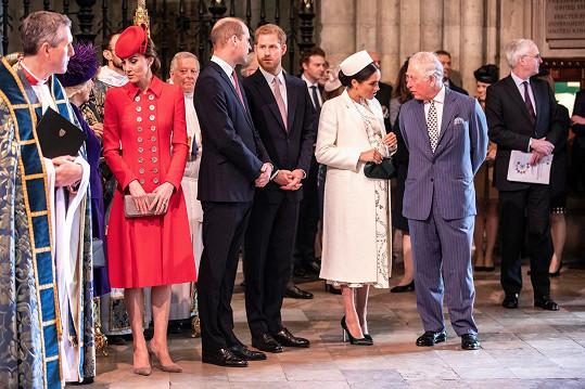 Jsou vztahy v královské rodině opravdu napnuté?