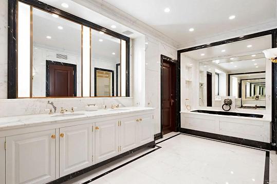 Koupelna obložená mramorem