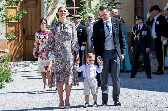 Victoria s manželem Danielem a synem Oscarem. Jeho sestra Estelle zůstala doma.