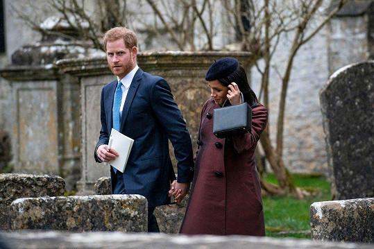 Harry a Meghan přišli na křtiny.