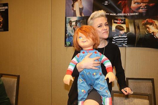 Christine Elise McCarthy má na kontě desítky rolí, mj. ve filmu Chuckyho kult