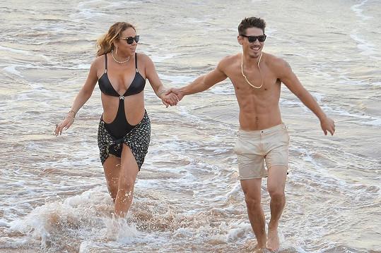 Mariah si na Havaji užívala se svým tanečníkem.