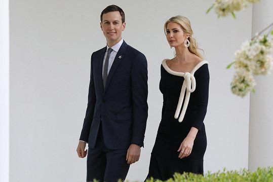 Modelčin nastávající je bratr manžela Ivanky Trump Jareda Kushnera.