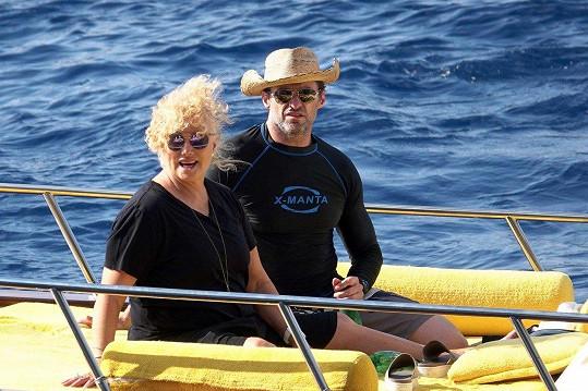 Před pár týdny vyrazil Hugh s manželkou do Itálie.