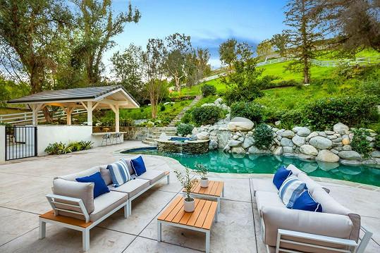 Luxusní bydlení v Hidden Hills měla koupit v tichosti mimo trh.