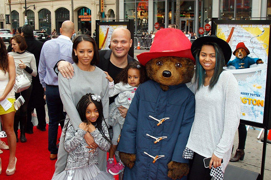 Mel B s Belafontem a třemi dcerami.