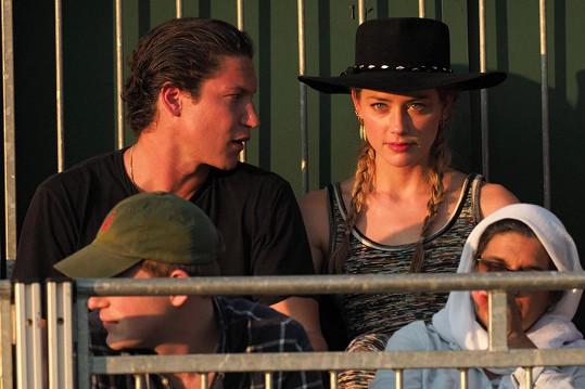 ...nebo s Amber Heard.