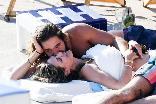 S manželem Tomem se k sobě mají jako čerstvě zamilovaní.
