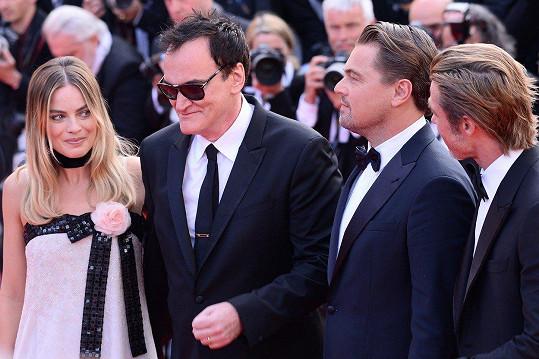 Zleva: Margot Robbie, Quentin Tarantino, Leonardo DiCaprio, Brad Pitt