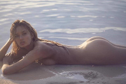 Ukázala se i nahá.