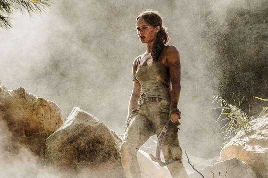 Alicia dorazí jako Lara Croft do kin za rok.