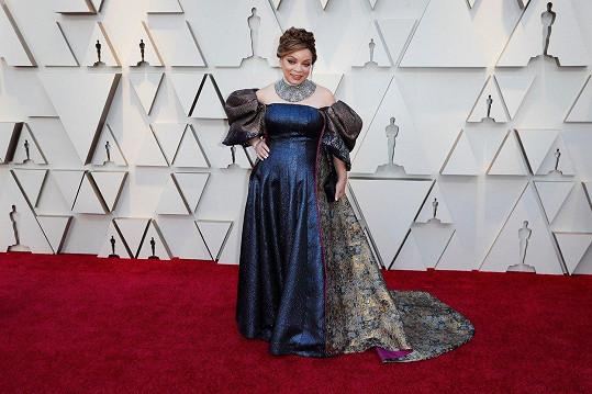 Zdá se, že kostýmní výtvarnice Ruth E. Carter vyhrábla kostým z fundusu filmu Marie, královna skotská.