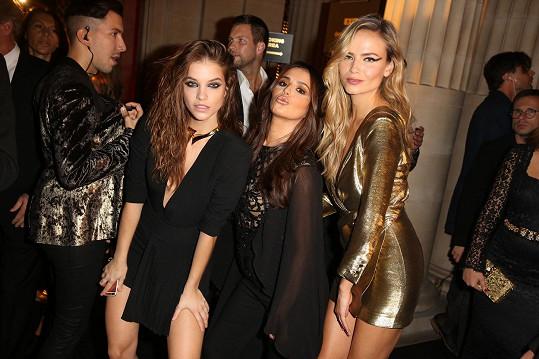Cheryl Cole s Natashou Polly a Barbarou Palvin