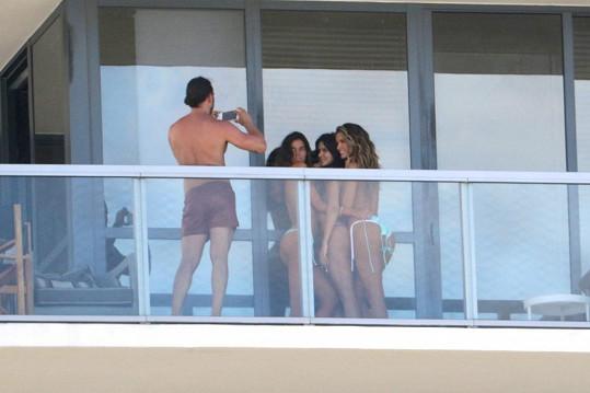 Na hotelových balkónech se občas dají vidět zajímavé věci...