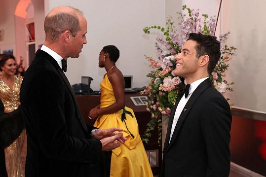 Setkal se i s britskou královskou rodinou, a to už podruhé na stejném místě.