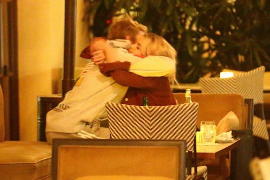 Zhruba před měsícem se Selena vrátila ke svému expříteli, zpěváku Justinu Biebrovi.