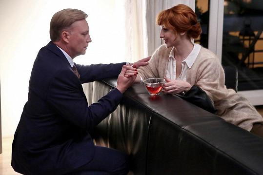 Vica Kerekes alias zubařka Gabriela bude kriminalistu Exnera svádět při každé příležitosti.