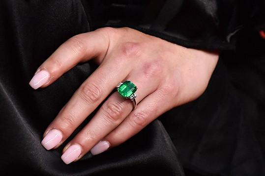 Lindsey Vonn ukázala zásnubní prsten.