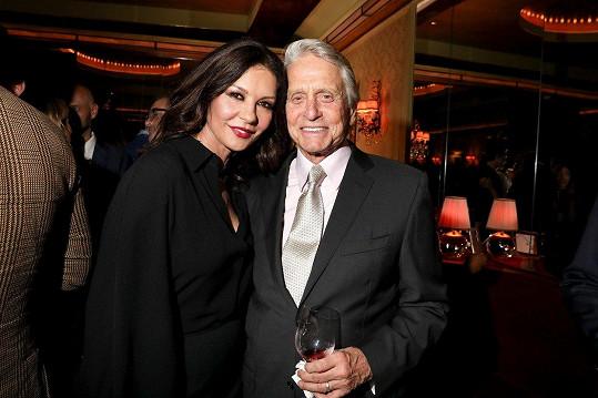 Aktuální fotka Michaela a Catherine. Opět jsou šťastní.