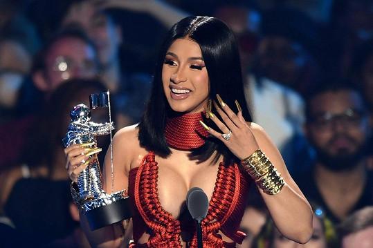 Z ocenění za nejlepší video v kategorii hip-hop měla velkou radost.