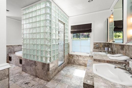 V domě se nachází 11 koupelen.