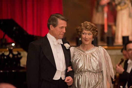 Meryl Streep a Hugh Grant ve filmu Božská Florence
