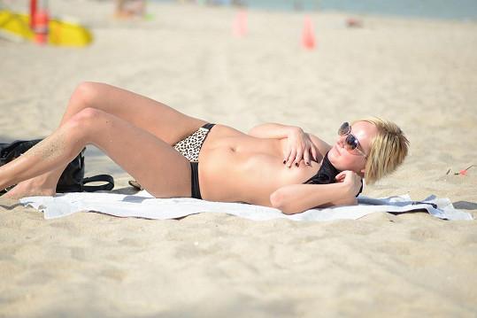 Nejraději by byla nahá, ale to v USA na veřejnosti není možné.
